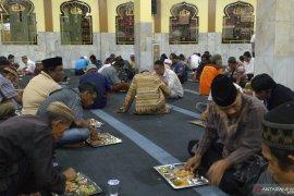 Nasi minyak menu berbuka di Mesjid Raya Magat Sari