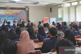 Mahasiswa Pontianak mendapat edukasi fintech