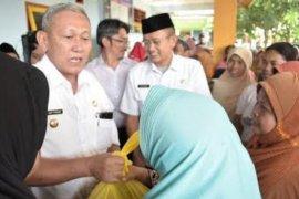 Operasi pasar murah di Kuningan untuk 7.000 rumah tangga miskin
