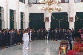 Sunjaya dilantik sebagai Bupati Cirebon, kemudian langsung diberhentikan