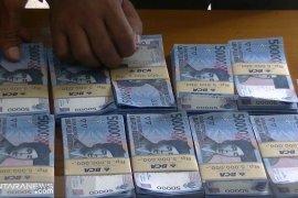 Diduga bagikan zakat pakai uang palsu, seorang pria ditangkap