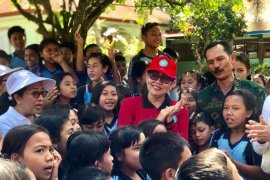 Istri Gubernur Bali ajak kaum ibu perangi sampah plastik