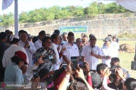 Di Pantai Pandawa, Presiden minta dana desa dimanfaatkan maksimal