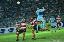 Menang telak atas Persela, Madura United puncaki klasemen sementara Shopee Liga 1