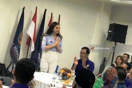 Bergugurannya caleg artis dapil Jatim menuju kursi di Senayan