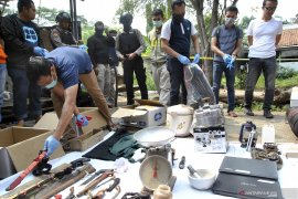 Kilas hukum, penangkapan teroris dan target ledakan