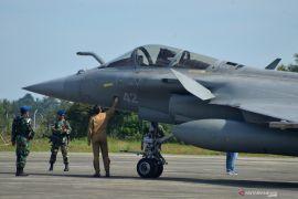 Sempat mendarat di Aceh, dua pesawat tempur Prancis kembali terbang