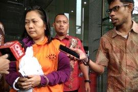 KPK memanggil dua saksi dari DPR kasus distribusi pupuk