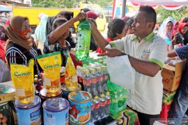 Warga padati pasar murah Ramadhan digelar Pemkot Ambon