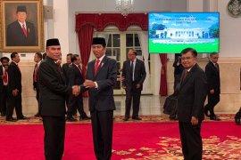 Presiden Jokowi angkat Hinsa Siburian jadi Kepala BSSN