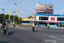 Biasanya padat, lebaran kali ini lalu lintas di Simpang Mengkreng Kediri normal