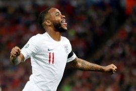 Sterling ingin bertemu pejabat FA, ada apa?