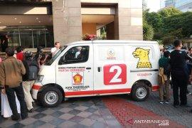 Ambulans berisi batu pada Aksi 22 Mei milik adik Prabowo
