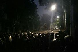 Massa aksi di samping gedung Bawaslu bubarkan diri