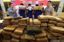 Polda Bali tangkap MS, pengedar 1,17 kilogram ganja