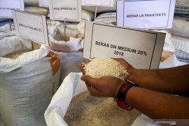 Diskumperindag sebut harga sembako di Gorontalo masih stabil