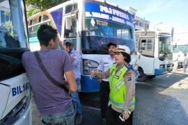 Polisi Kalsel akan langsung mengandangkan bus tak laik jalan