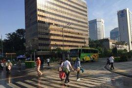 Thamrin Jakarta sudah ramai lalu lalang warga Jakarta