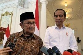 Habibie ucapkan selamat ke Jokowi