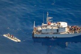 Penjaga pantai Libya selamatkan 290 migran dari lepas  pantai Tripoli