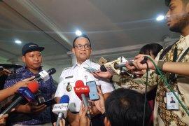 Tak perlu khawatir bepergian karena Jakarta aman, kata Anies