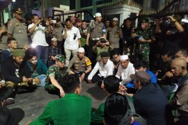 Massa di DPRD Sumut bubar, aksi akan berlanjut di Mapolda Sumut