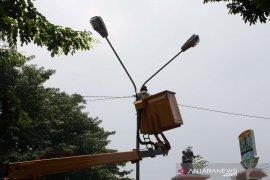Lampu PJU di Jalur Mudik Purwakarta diperbaiki