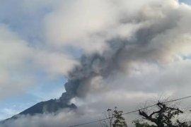 Warga desa terdampak erupsi Gunung Sinabung segera dipulangkan
