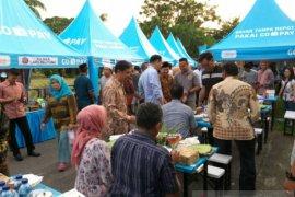 Pusat jajanan berbuka puasa di Belitung selalu ramai pengunjung
