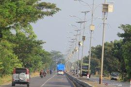 Dishub Balikpapan memasang 250 lampu penerangan jalan umum