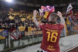 Roma tundukkan Parma dalam  penampilan pamungkas De Rossi