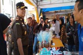 Bazar Ramadhan Kejati Kalsel diserbu warga