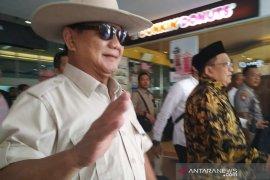 Kepergian Prabowo ke luar negeri mendapat perhatian luar biasa, Fadli Zon heran