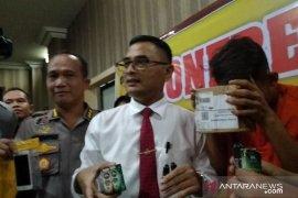 Polda Jambi tangkap mahasiswa penjual ganja cair