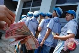 Perusahaan wajib bayar THR hingga rencana skema PSBB
