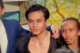 Kasus narkoba, artis Jefri Nichol disambangi rekan sesama artis