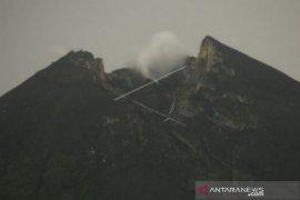 Gunung Merapi tiga kali gempa guguran