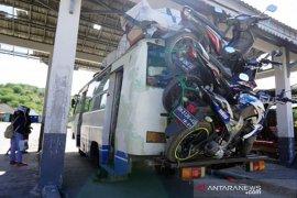Angkut sepeda motor di bus Page 1 Small