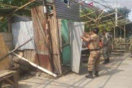 Bangunan liar sepanjang jalur mudik Bekasi ditertibkan