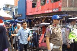 Mendekati Lebaran Polantas, Jalan Harun Kabir Sukabumi ditutupl