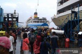 Pelni:  terjadi lonjakan penumpang di pelabuhan Ambon