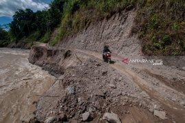 Pemerintah buat jalan darurat poros Palu-Kulawi pascaputus