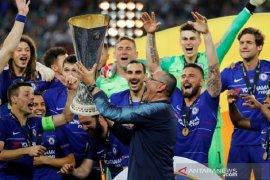 Sarri gembira, timnya yang kalah 0-6 dari City kini juarai Liga Europa