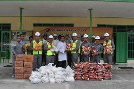 PT. Kideco Bagikan 15.550 Paket Lebaran Untuk Warga Lingkar Tambang