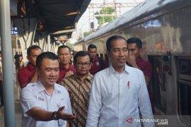 Presiden Jokowi tinjau Stasiun Pasar Senen