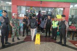 Polda Banten jaga pusat perbelanjaan untuk jamin keamanan masyarakat