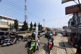 Truk pengangkut barang nonpangan dilarang lintasi jalan nasional Sukabumi