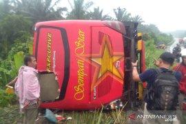 Bus dari Sumbar menuju Medan tergelincir di Jalinsum, tiga orang tewas