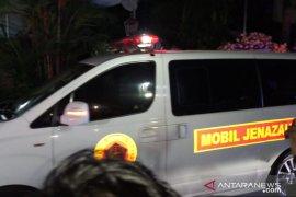 Jenazah Ibu Ani tiba di rumah duka di Cikeas