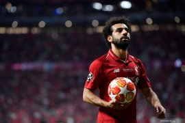Mohamed Salah absen latihan karena flu